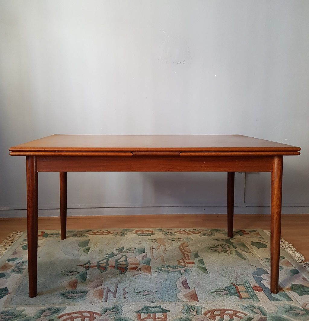Am Mobler Extending Danish Dining Table